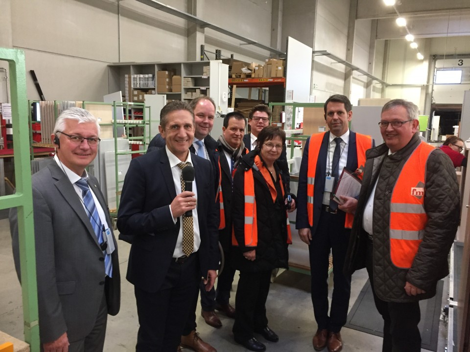 Karl-Heinz Bley MdL - Minister Lies besucht Firma FM Büromöbel in ...